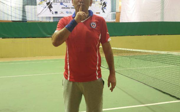 Marco Vera, el tenista chileno que hace patria en Isla Papúa