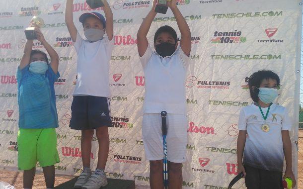 Rafael Carrasco y Máximo Rojas animaron la final de cancha Roja en Tenis 10