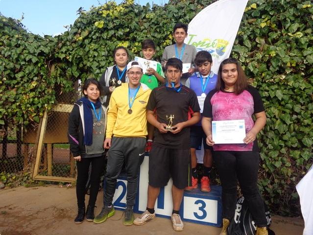 Tenistas de Mulchén se llevaron todos los premios en regional de Tomé