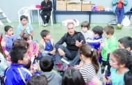 El profesor y técnico Arturo Torres realizó Clínica de Tenis para niños de Punta Arenas