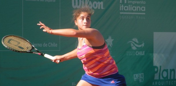 Fernanda Brito y Bárbara Gatica lograron contundentes victorias en los octavos de final del ITF de Santa Cruz