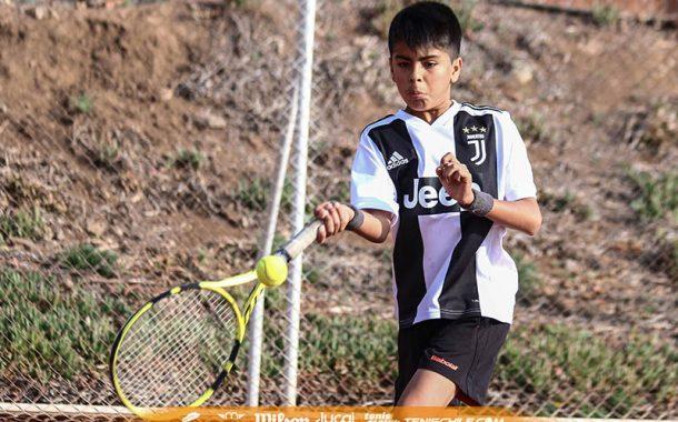 El tenista fanático del fútbol que la rompió ayer en Chicureo