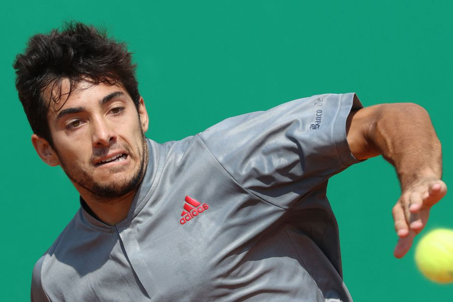 Garin se instala en 3a ronda de Roland Garros