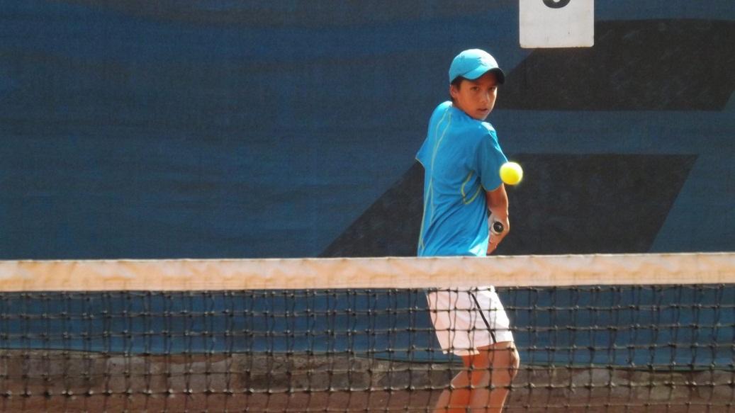 Daniel Núñez lo ganó todo en Ecuador