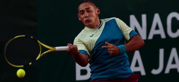 Godoy en Ecuador y Olivero con López en Bolivia avanzan en singles del circuito juniors