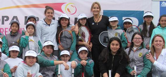 Fernanda Brito viajó a Italia luego de encabezar lanzamiento de la Copa LP Chile presentado por IND