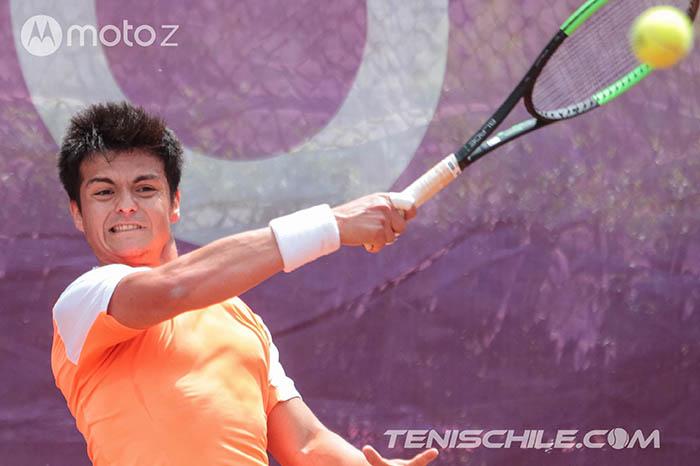 En el primer torneo del año Stade Francais recibió a más de un centenar de tenistas