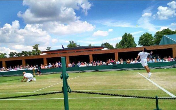Mira el punto con el que Hans Podlipnik ganó en la 1era ronda de dobles en Wimbledon