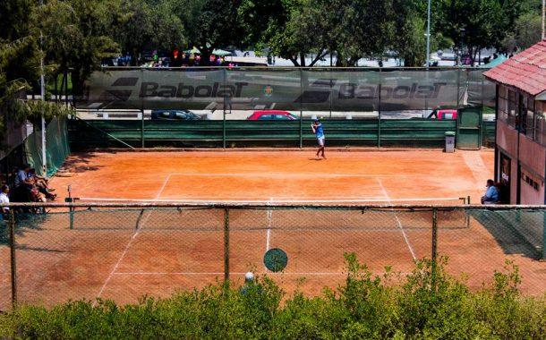 Pausa en el tenis chileno