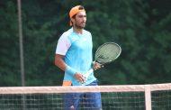 """Conozca la historia del tenista que tuvo que estar de """"ilegal"""" en Europa"""