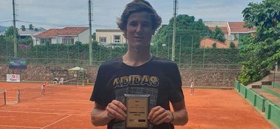 Matías Gaedechens gritó campeón en el paso del ITF World Tennis Tour Junior por El Salvador