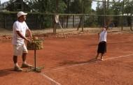Tenista mulchenino lucha por un cupo en sudamericano