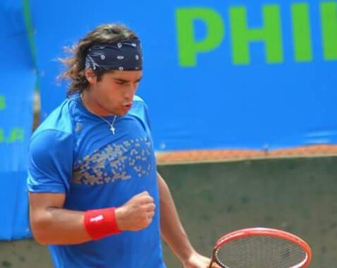 Michel Vernier aprovechó retiro de su rival y avanzó a cuartos en Portugal