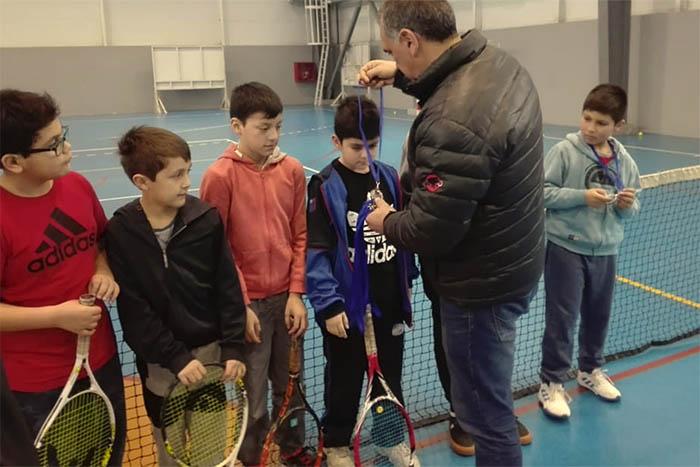 El Club de Tenis Unión Padre Las Casas finaliza proyecto Fndr y celebra aniversario número 11