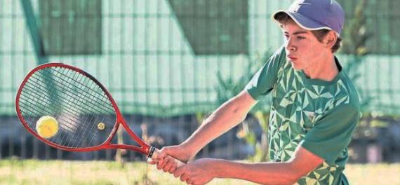 Los internacionales junior en el sur del país entraron en tierra derecha con nacionales en carrera